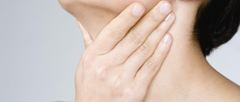 Remède de grand-mère mal de gorge : les traitements naturels pour soigner les maux de gorge
