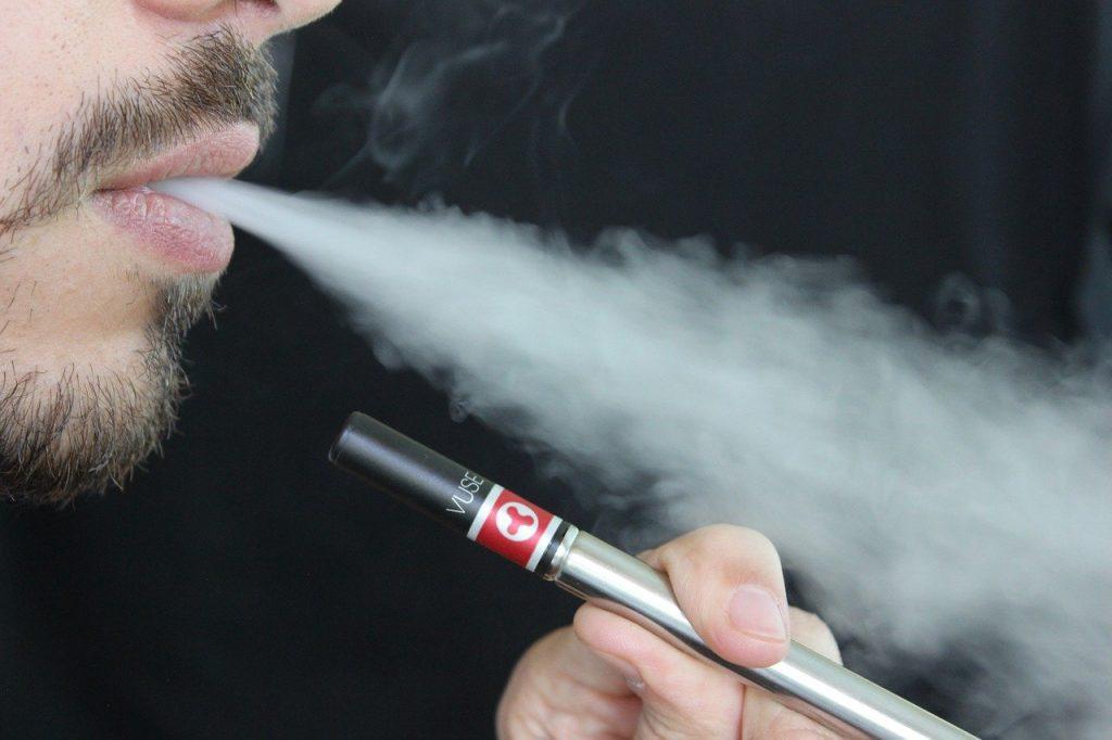 Faire un liquide diy avec un arôme à la nicotine ainsi que des arômes liquides concentre pour cigarette